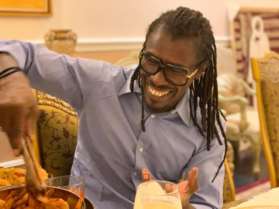 67888567 2348293818617044 8931118289958993920 n - Babacar Ngom réunit Diouf et Aliou Cissé autour d'une table (photos)
