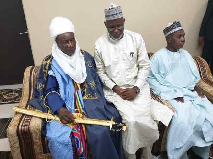 whatsapp image 2019 08 11 at 17.19.26 1 - Nigeria : Condé intronisé roi par Buhari...(photos)