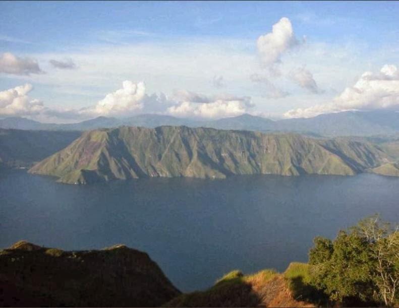 Danau Kalimutu yang Terkenal di Dunia