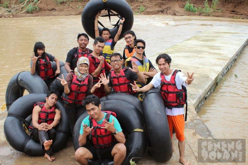 river tubing oyo gunungkidul