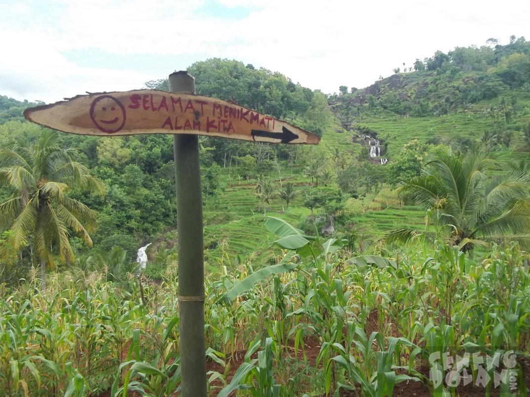 Jalan menuju Air Terjun Kedung Kandang Gunungkidul