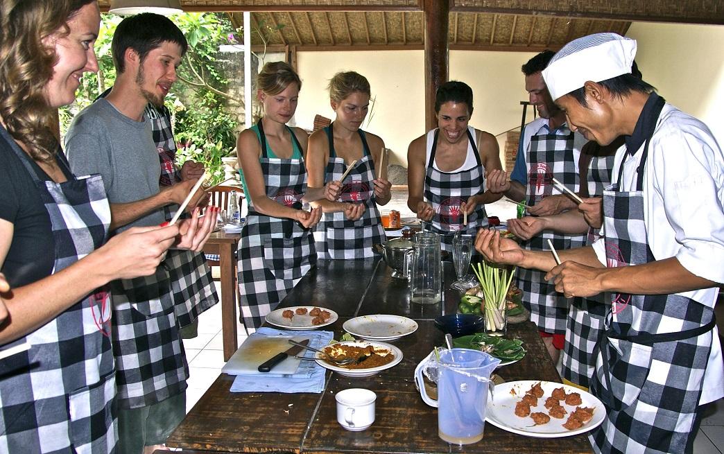 Kelas Memasak Masakan Khas Ubud - Bali