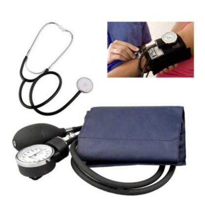 blodtrykksmåler og stetoskop til manuelle målinger