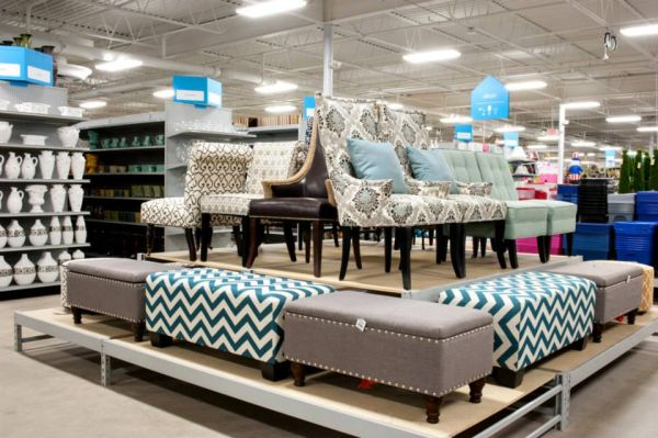 Grand Opening Of A Lee's Summit Home Decor Store And