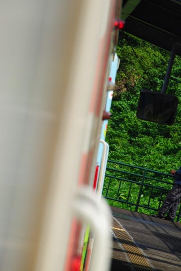 故郷編 袖ヶ浜駅 アイドルになりたーい!とか、すぐ追いつくから待ってて!とユイちゃんが叫んでたところ