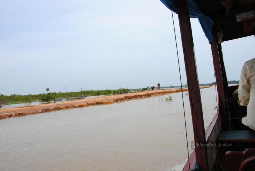 Powrót do przystani w Kambodży