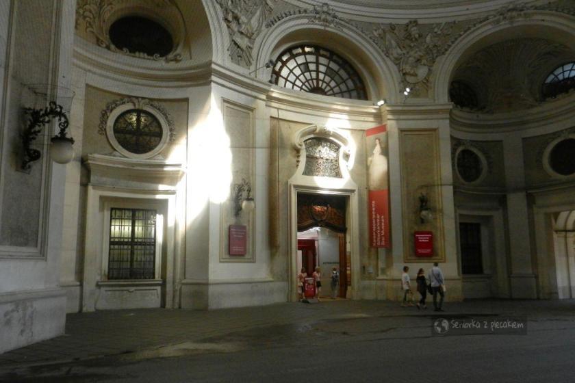 Wejście do Muzeum Sisi w pałacu Hofburg w Wiedniu