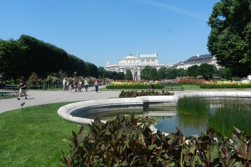 Park Volksgarten w Wiedniu
