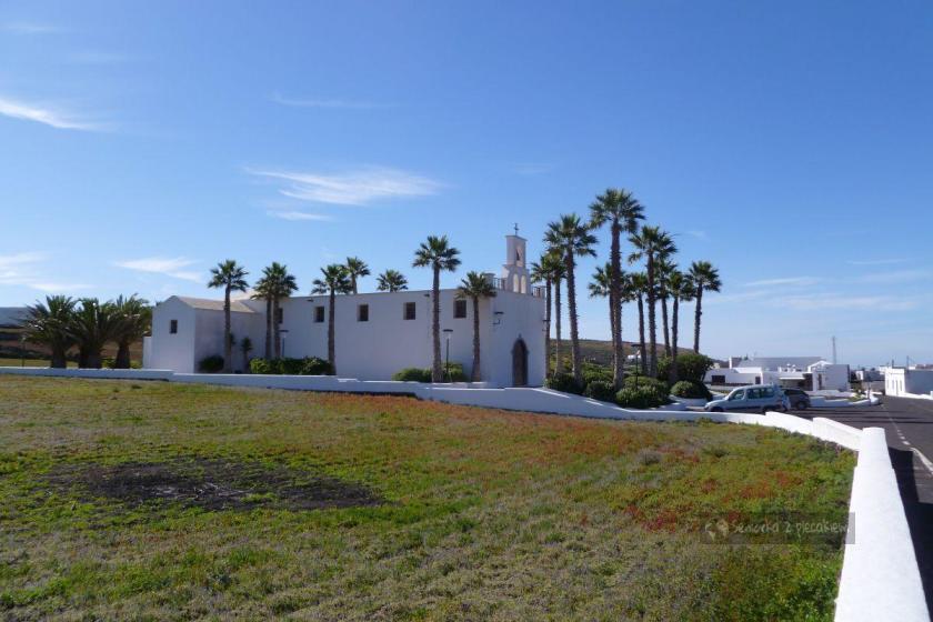 Lanzarote - Ye - kościół przy którym zostawiamy auto