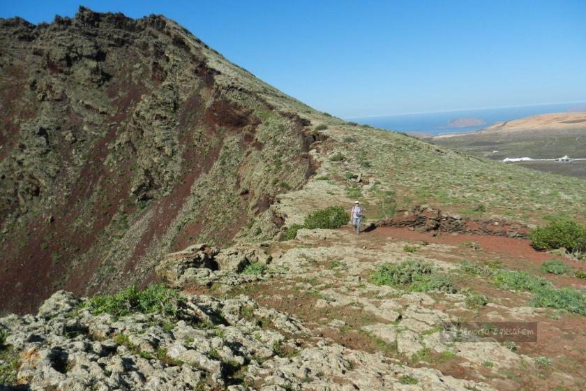 Lanzarote - Ye - wulkan La Corona - punkcikiem jestem przy wulkanie