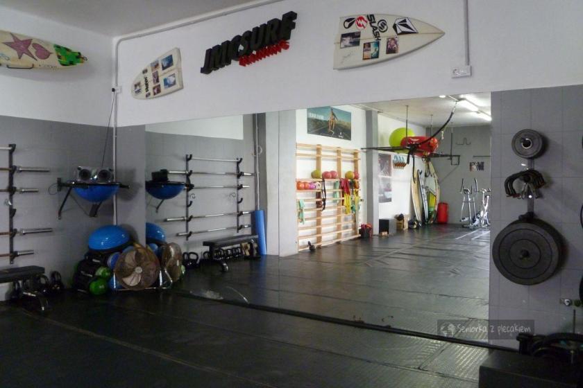 Sala treningowa w Caleta de Famara na Lanzarote