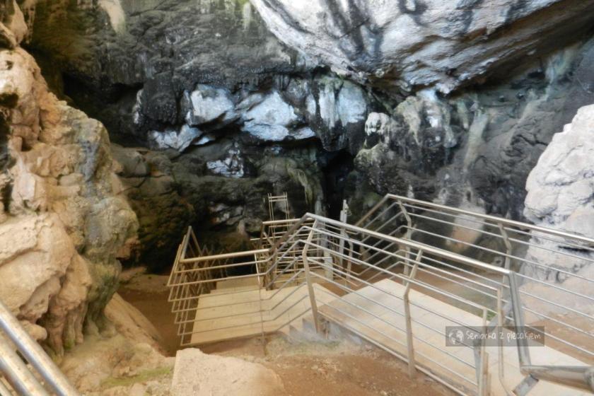 Wejście do jaskini na Antiparos