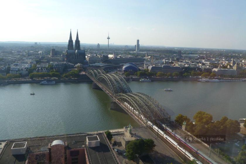 Widok na Ren i katerdę z Köln Triangle