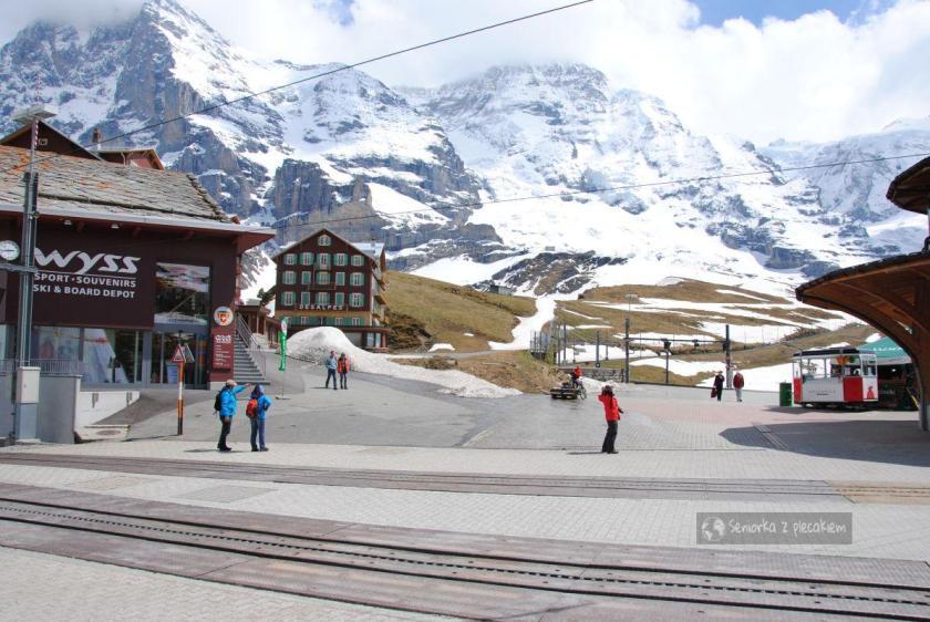 Stacja przesiadkowa na Jungfraujoch w Szwajcarii