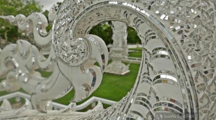 Chiang Rai – Biała Świątynia i zegary