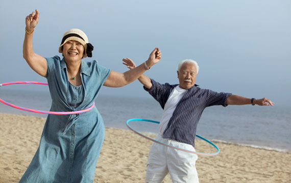 Senior-couple-hula-hoops-Senior-Planet