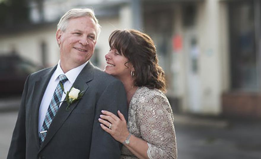 widow dating married man