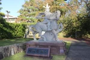 結城秀康の銅像