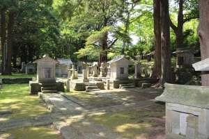松前藩主松前家墓所