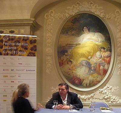 Festivalchef Frédéric Maire im grossen Saal des Berner Bellevue (c) sennhauser