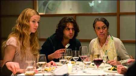 Pheline Roggan, Adam Bousdoukos, Monica Bleibtreu in Fatih Akins 'Soul Kitchen' © pathéfilms