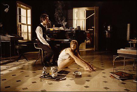 Eric Elmosnino und Lucy Gordon in 'Gainsbourg - vie héroïque' ©pathefilms