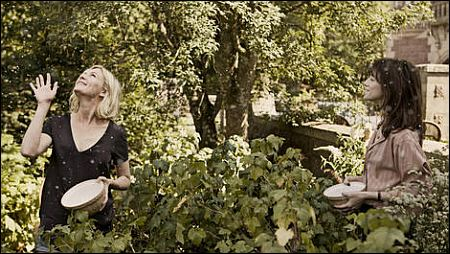 Kirsten Dunst und Charlotte Gainsbourg in 'Melancholia' ©frenetic