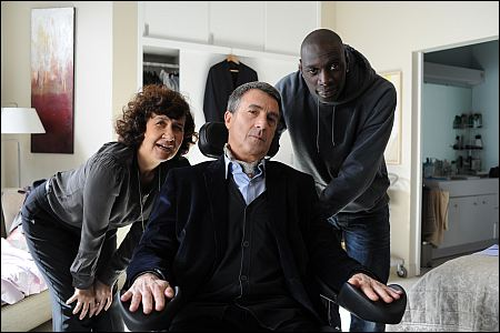Anne Le Ny, François Cluzet und Omar Sy in 'Les intouchables' ©frenetic