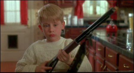 Macaulay Culkin als Kevin in 'Home Alone' von Chris Columbus (1990)