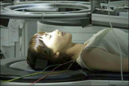 Atsumi (Haruka Ayase) beim Sensing