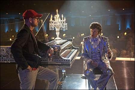 Steven Soderbergh dirigiert Michael Douglas als Liberace © dcm