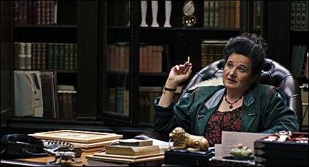 Maria Hofstätter als rabiate 'Mutter' © Vega Film
