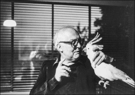 Friedrich Dürrenmatt und sein Kakadu © DCM