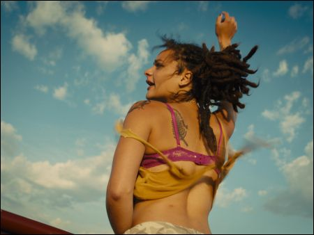 Star (Sasha Lane) in Andrea Arnolds 'American Honey' © UPI Schweiz