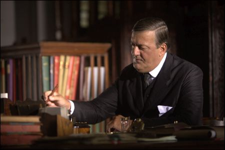 Stephen Fry als Sir Francis Spring in 'The Man Who Knew Infinity' © Ascot-Elite
