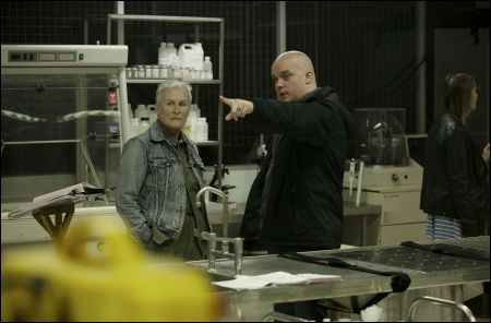 Regisseur Colm McCarthy mit Glenn Close © impuls