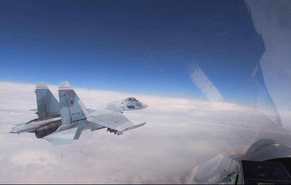 Истребитель Су-27 поднимался для перехвата самолёта-разведчика над Чёрным морем
