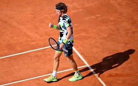 Андрей Рублёв выиграл теннисный турнир в Гамбурге