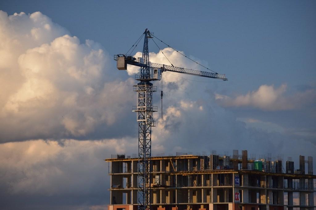 Минстрой будет контролировать строительство бюджетных объектов