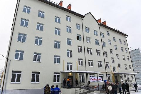В Калужской области 60 сирот получили ключи от нового жилья