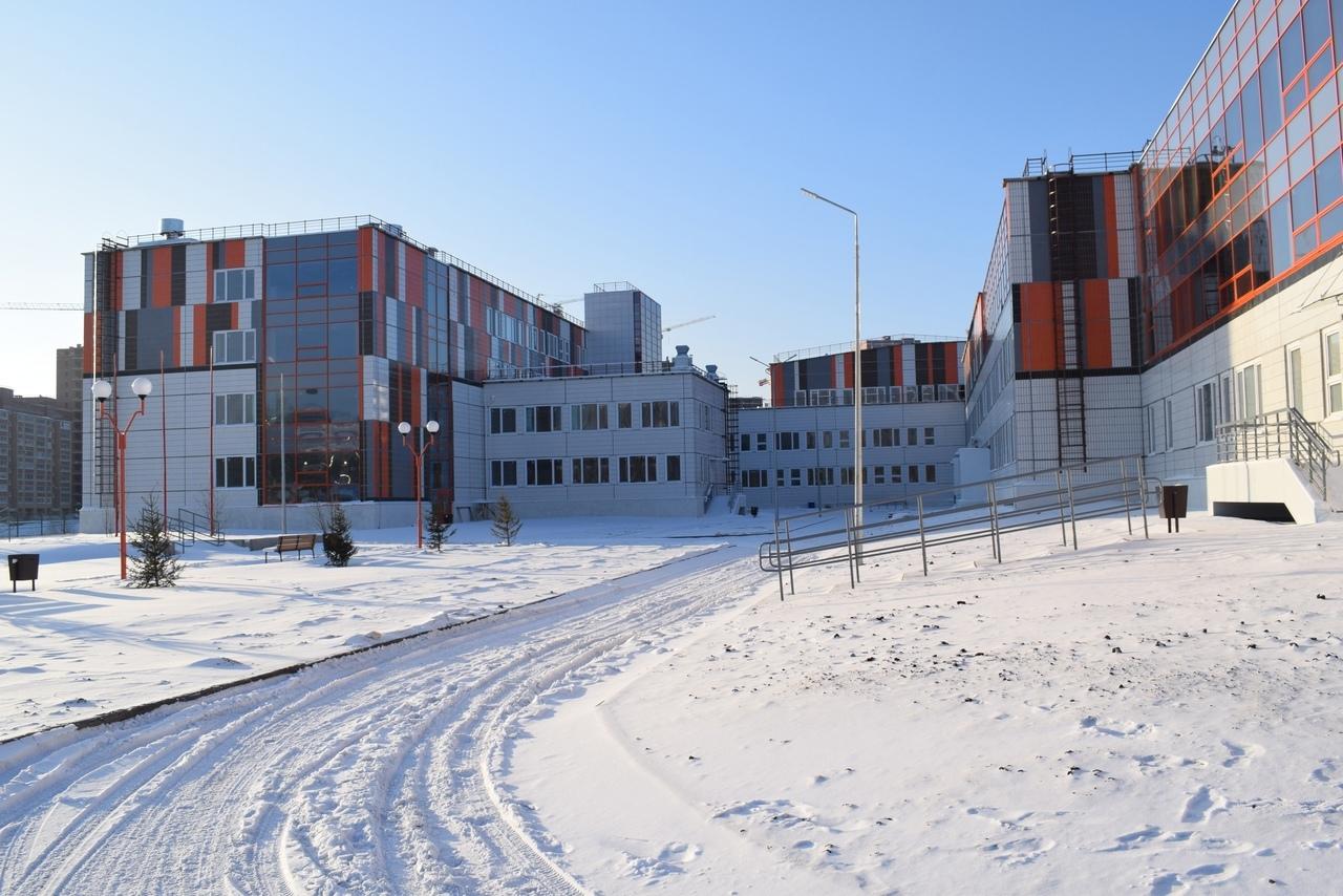 В Красноярске построили новую большую школу