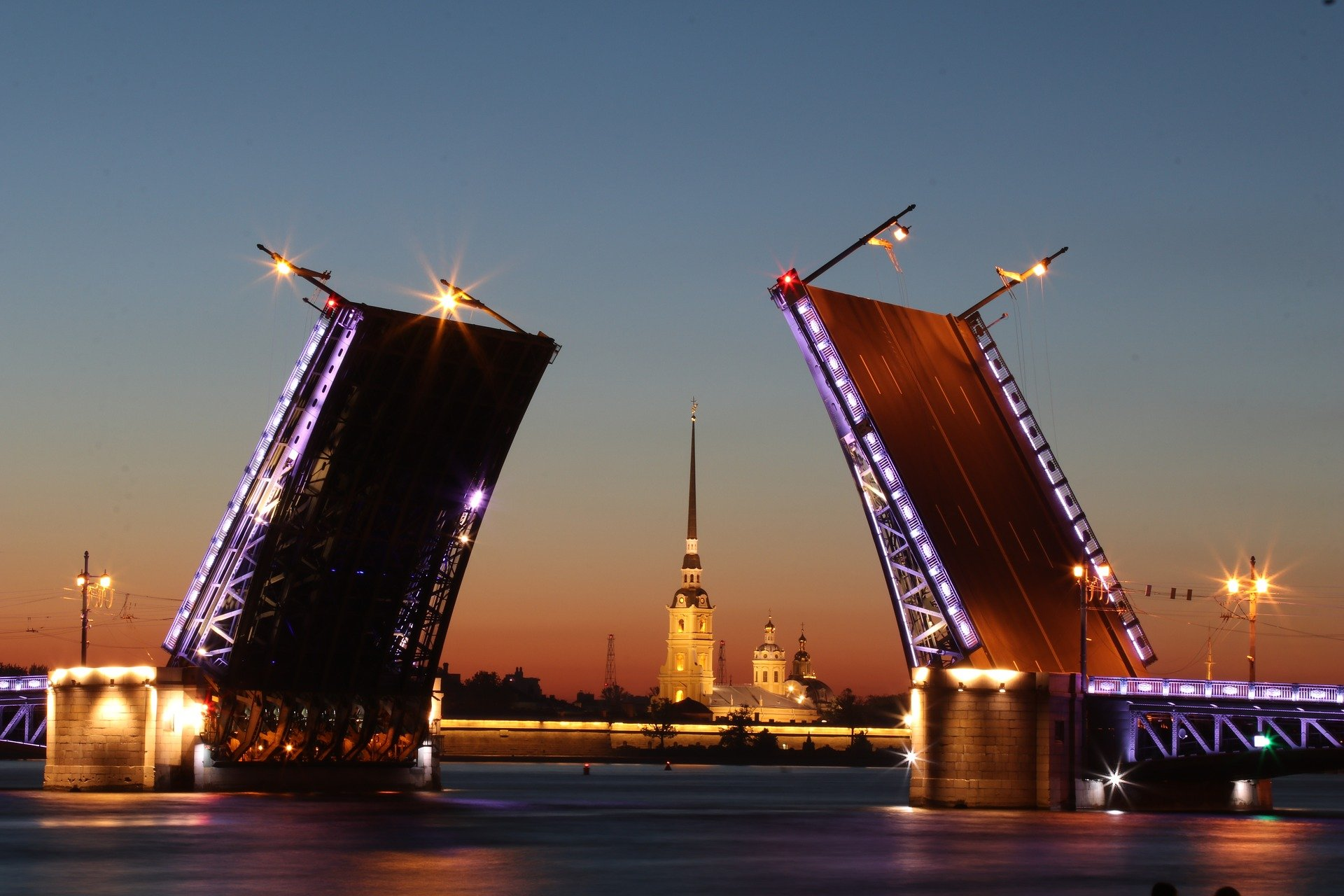 В Санкт-Петербурге стартовал сезон навигации