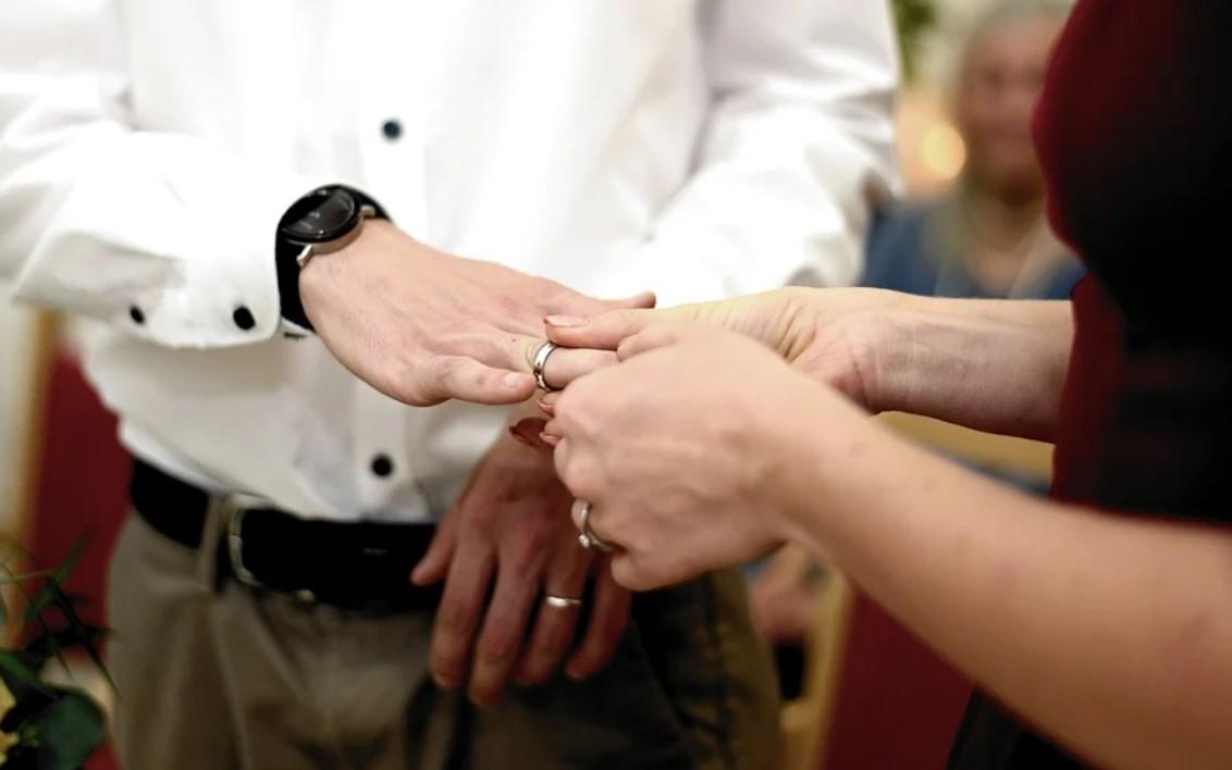 В Поморье разрешили приглашать больше гостей на свадьбы