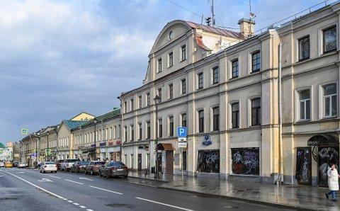В Москве отремонтируют один из двух домов с входными галереями