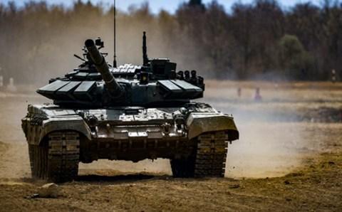 В Подмосковье новобранцы провели свой первый танковый «бой»