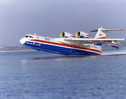 В Якутии для тушения лесных пожаров задействовали самолет-амфибию