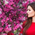 τα καλύτερα γυναικεία αρώματα για την Άνοιξη