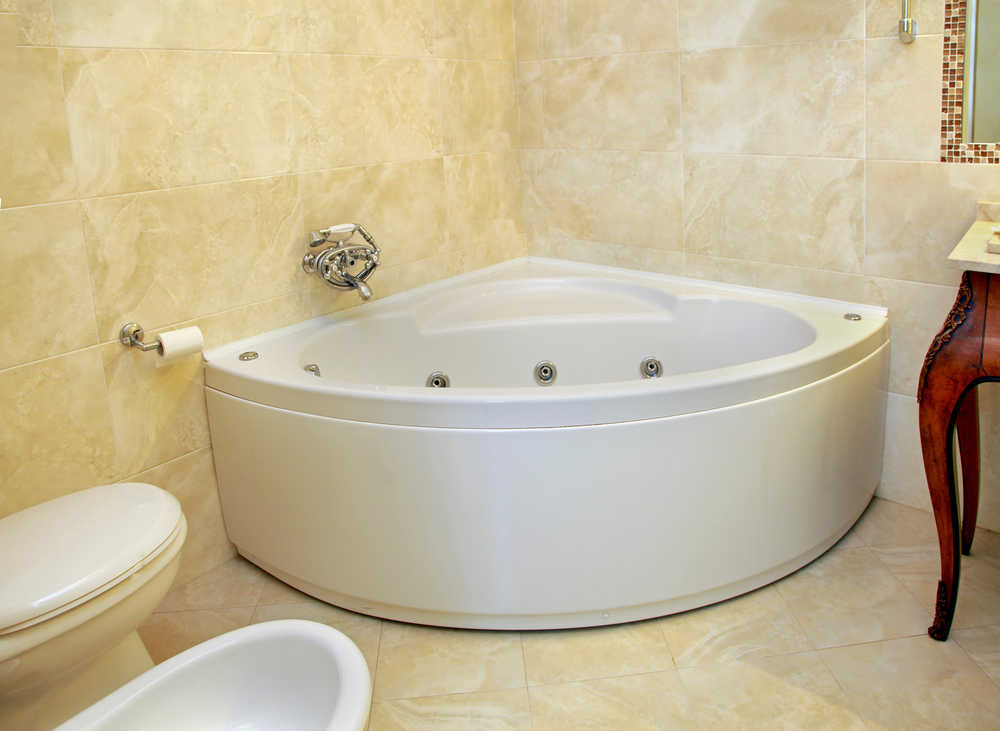 7 Best Small Bathtubs For Small Bathrooms 2020 Space Savers