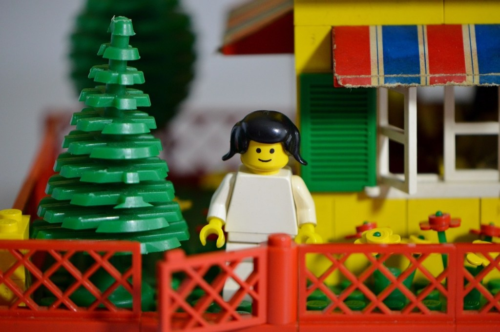 lego-house-family