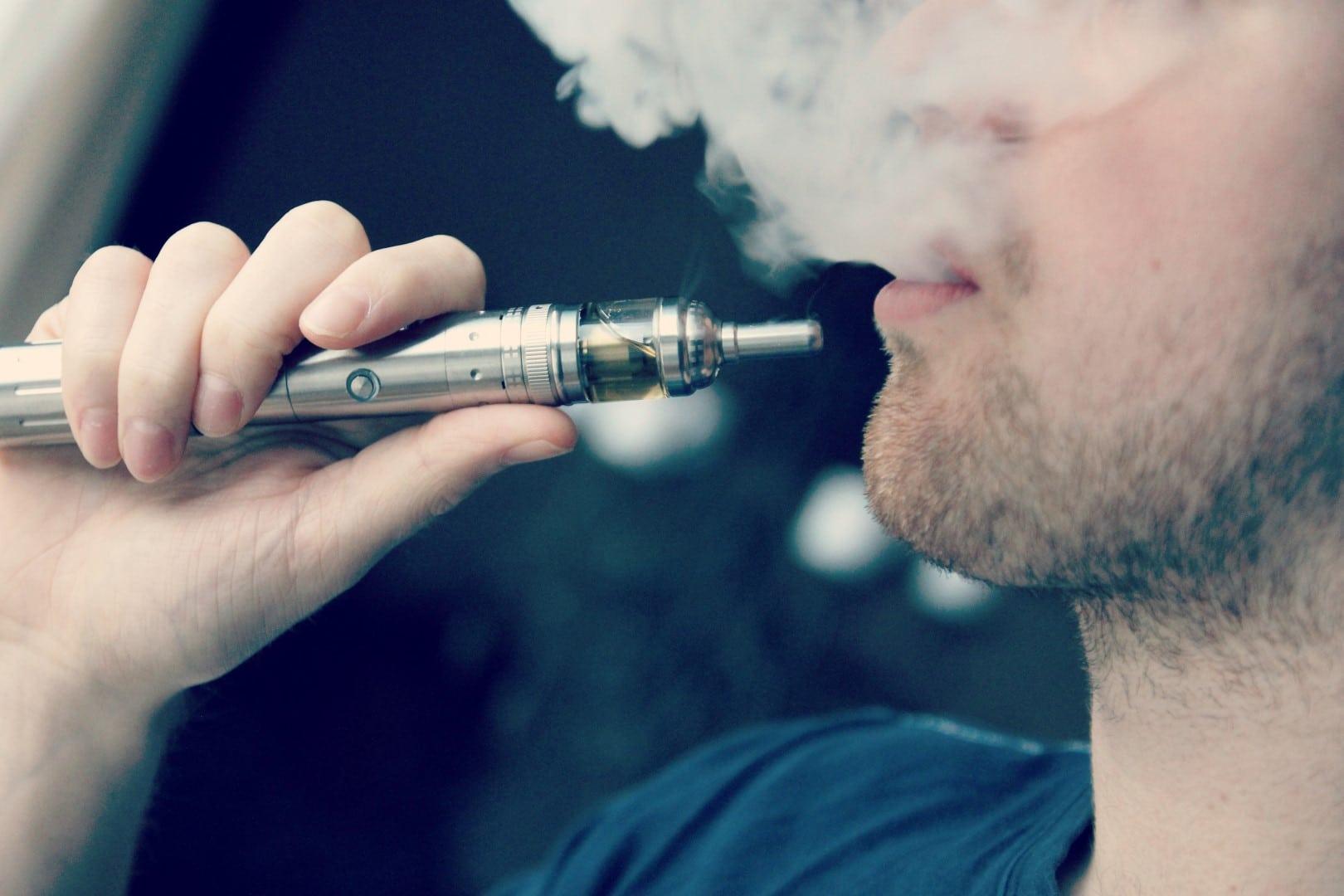e-cigarette-electronic_cigarette-e-cigs-e-liquid-vaping-cloud_chasing_16323004716